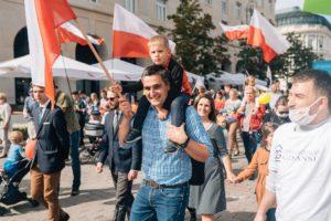 Read more about the article Ponad 5 tys. osób naMarszu dla Życia iRodziny 2020. Wśród uczestników Prezydent Andrzej Duda
